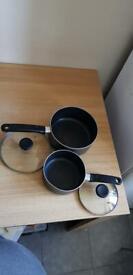 2x pots