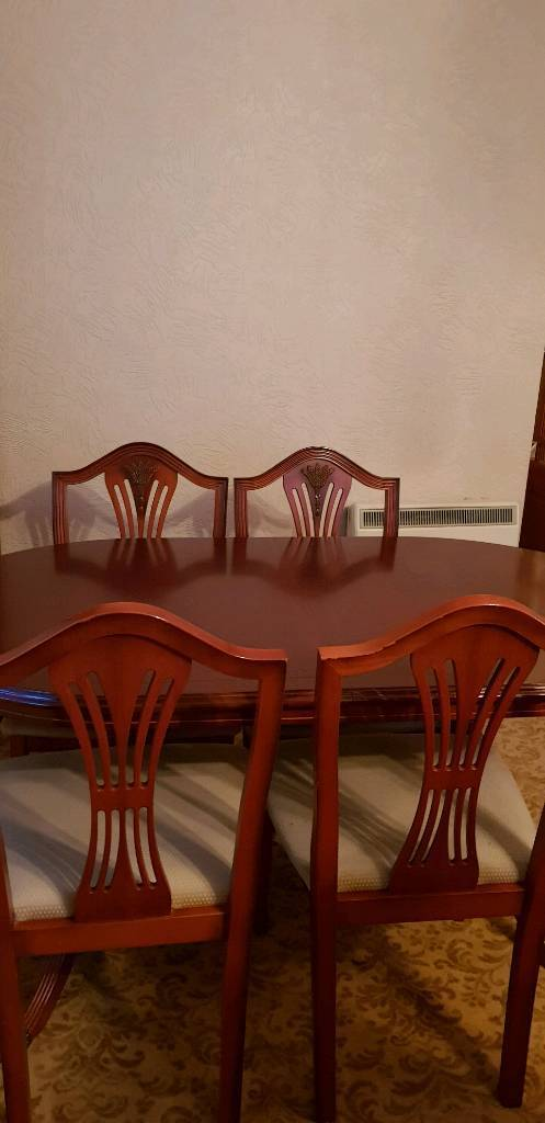 Morris Dining Room Furniture