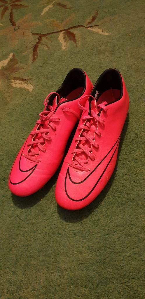 6949bc13b536 Nike Mercurial football boots pink size 10