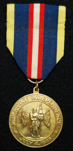 El Oro Manufactured WWII Philippine Independence Medal Original Ribbon & Broach