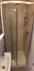 WILL GO QUICK !.. CLEAN ENSUITE ROOM IN IFLORD, IG1 2EF, FOR JUST £589pcm?! AVAILABLE NOW !