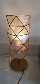 Pretty table lamp gold and shell like shade