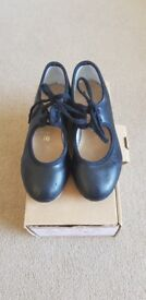Katz Black Tap Shoes Size 10