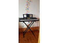 Yamaha Keyboard YPT 220 with Duronic KS2 Stand