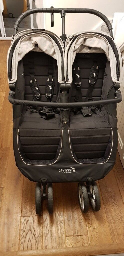 Baby Jogger City Mini Double Stroller In Excellent Condition In
