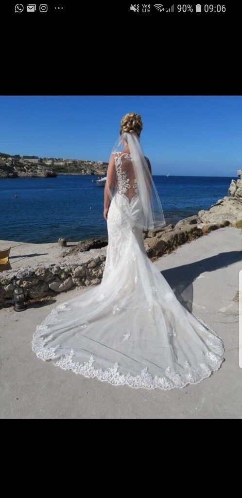Lace signature Galina wedding dress size 6 | in Alexandria, West ...
