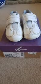 Clarks White Trainers size 9 1/2F