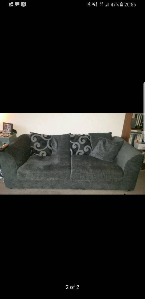 2x 3 seater sofas need gone asap