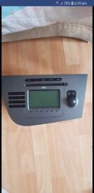 Mk2 seat leon radio great condition dont need it anymore as i got a new one