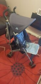 Maclaren stroller Great condition has rain cover washable covers. pet free and smoke free home