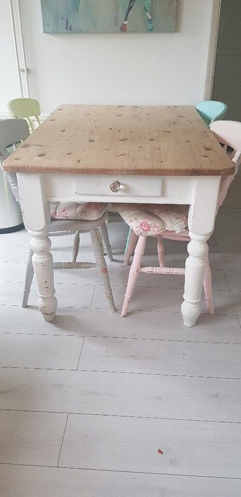 Wondrous Shabby Chic Table And Chairs In Horsham West Sussex Gumtree Download Free Architecture Designs Scobabritishbridgeorg