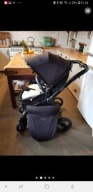 Fantastic condition egg pushchair
