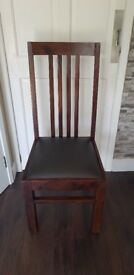 Set of 4 high back dining room chairs in dark brown/Walnut with leather base/pads