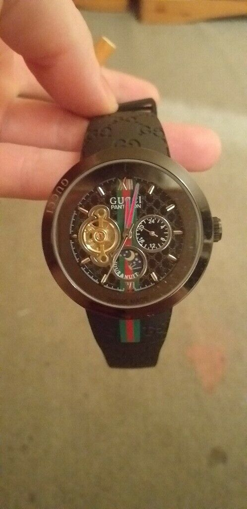 efe0904e6cb Mens gucci pantcaon ref1142 watch new hardly ever used