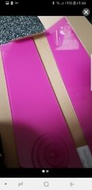 Pink glass upstand