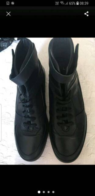 661192209b size 9 brand new mens shoes