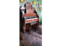 Antique Farrand and Votey american pedal organ in excellent playing condition. We are downsizing.