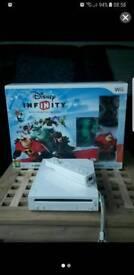 Wii console & Disney infinity
