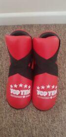 Brand New Top Ten Fight Kicks - Red