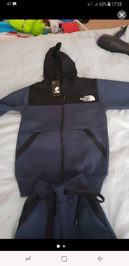 Brand new northface kids tracksuit 6-7 yr old