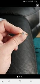 18ct solid gold diamong ring