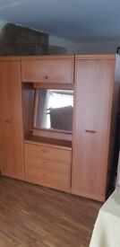 WARDROBE TRIPLE EXCELLENT QUALITY AND CONDITION FREE EDINBURGH DELIVERY