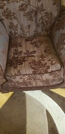 Brown floral large 3 peice suite.excellent condition