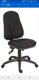Ergonomic fully adjustable swivel chair in black for home or office