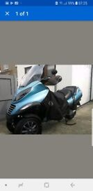 Breaking Piaggio MP3 250 all parts
