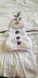 Olaf dress up