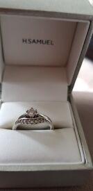 Engagement and wedding ring/white gold/diamond size I and J