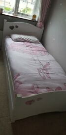 White wood heart single bed
