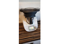 Thermomix with set of books and few extras