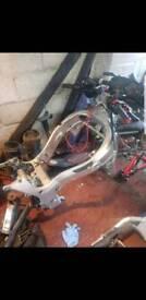 2003 suzuki hayabusa gsxr1300 main frame in good condition breaking bike