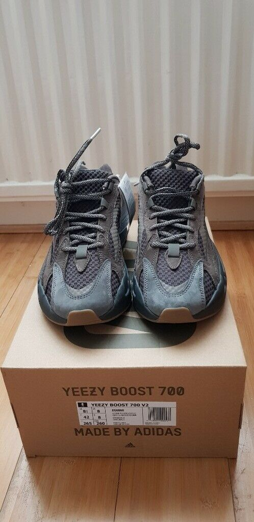 5ad3c9d83 Yeezy Boost 700 v2 Geode - size 8