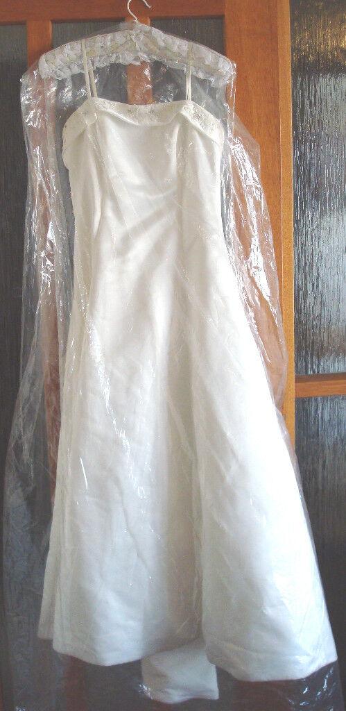 Elegant PETITE Wedding dress (Size 12 Petite) and vale, UK bridal ...
