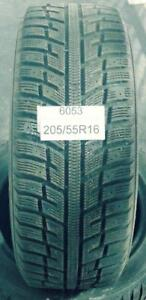 PNEUS HIVER USAGÉS / USED WINTER TIRES 205/55R16 20555R16 KUMHO I ZEN KW22 ( 2 DE DISPONIBLES)