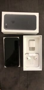 Unlocked Iphone 7 128 GB in excellent condition