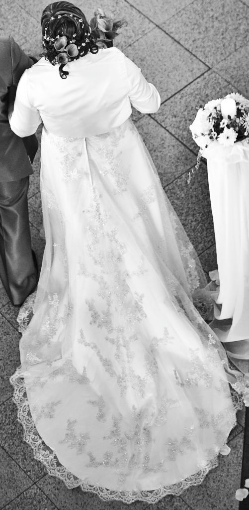 Beautiful wedding dress for sale in isleworth london for Cheap beautiful wedding dresses for sale
