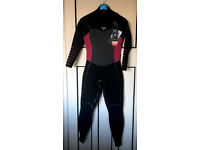 BRAND NEW- TOTALY UNUSED WOMEN WETSUIT: ROXY - 4/3mm Syncro Plus Chest Zip-SIZE 8