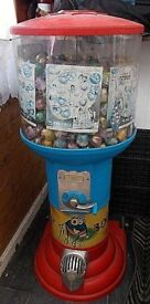 Shop Front Vending Machine Old £1.00 coin