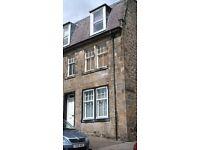 Furnished flat, 2 bedrooms, quiet street, 5 min walk to station