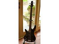 Ibanez Bass Guitar Soundgear GSR200L – Left handed in black with gig bag REDUCED