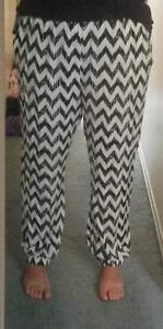 Black & White Chevron Patterned Pants - BRAND NEW! Kitchener / Waterloo Kitchener Area image 1