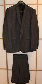 Racing Green Mens Suit in light Grey, great condition