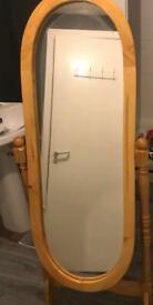 Standing mirror perfect condition