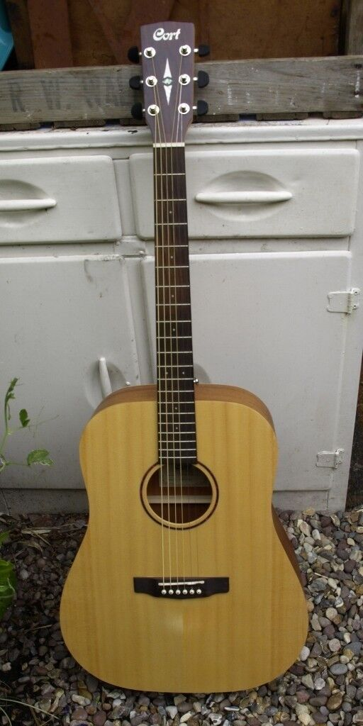 Cort Earth Grand Acoustic Guitar – Solid Spruce Top