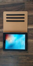 iPad 4th Gen 32gb with Leather Case