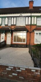 ROOM TO RENT IN SHARED HOUSE IN ERDINGTON. DSS ONLY. ALL BILLS INCLUDED - £0 p/w RENT