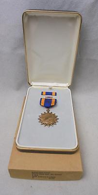 NEW Genuine Issue US Military Vietnam War era Air Medal Decoration & Ribbon Bar